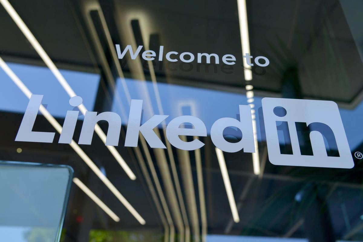 Using LinkedIn For Business to Business (B2B Marketing)