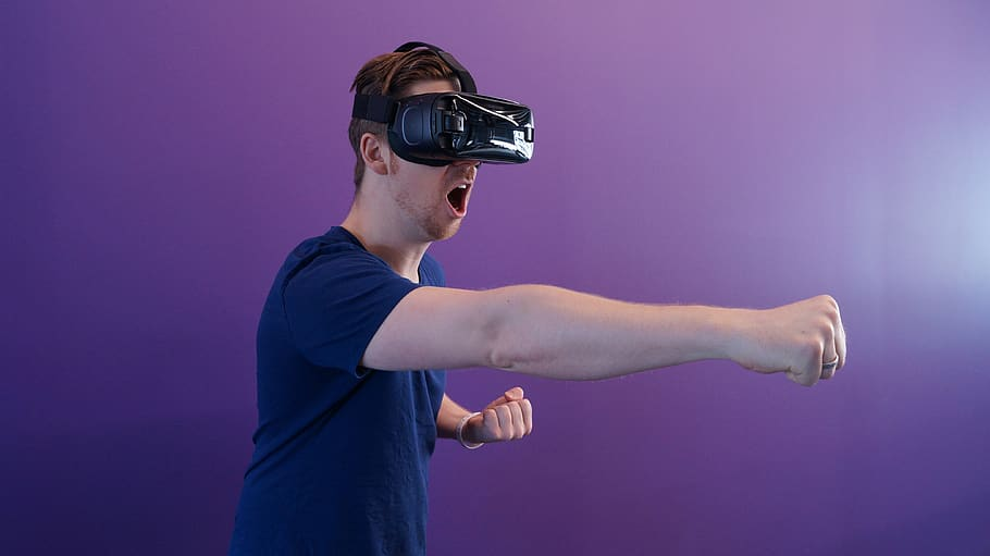 How To Create VR Content (Virtual Reality)